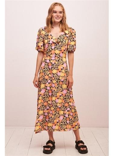 Never More Sırt Dekolteli V yaka Çiçek Desenli Elbise Sarı